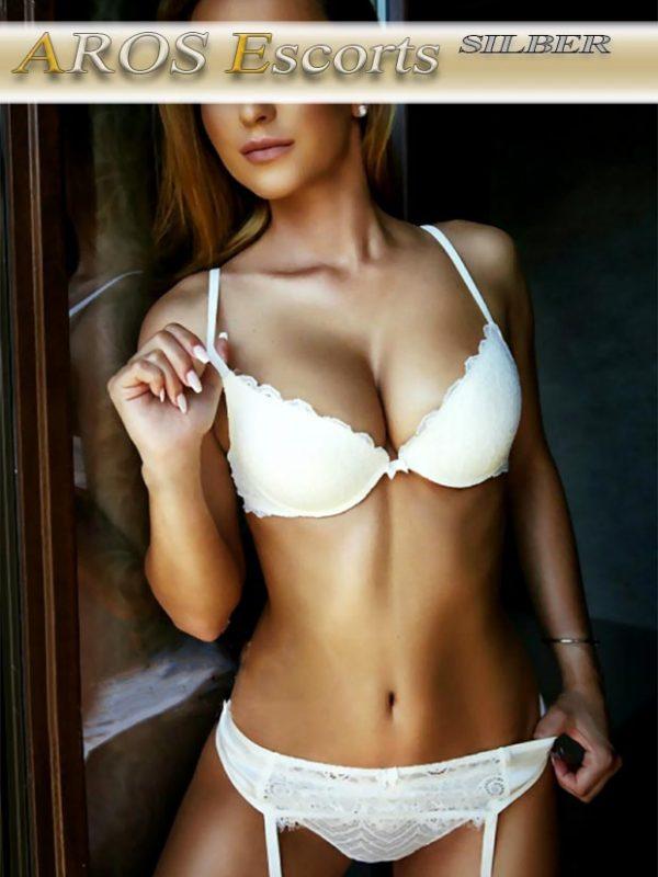Sophie Aros Escort